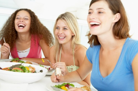 Eating healthy with Friends