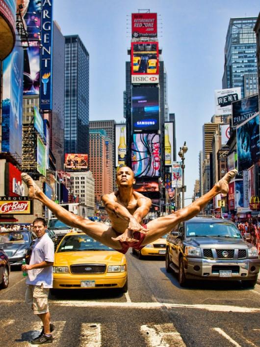 Профессиональные-танцоры-на-фоне-Нью-Йорка-12