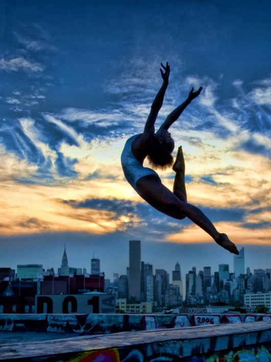 Профессиональные-танцоры-на-фоне-Нью-Йорка-13