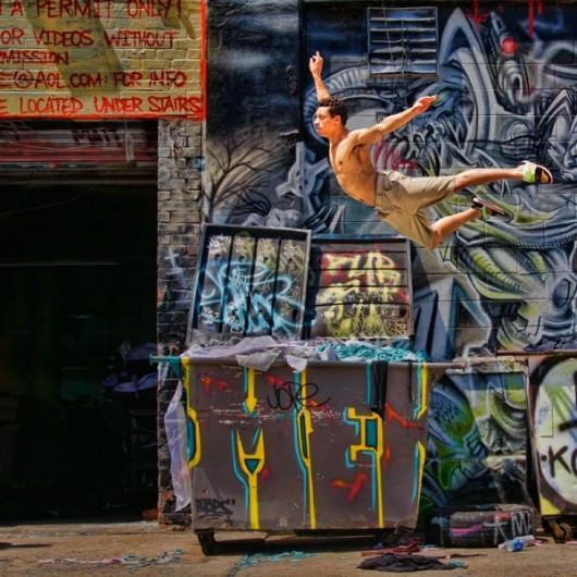 Профессиональные-танцоры-на-фоне-Нью-Йорка-15-600x600