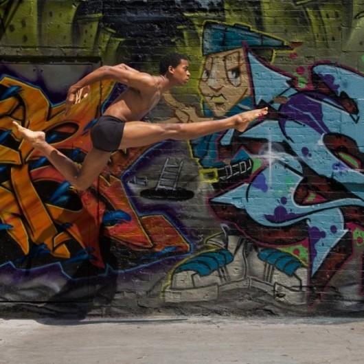 Профессиональные-танцоры-на-фоне-Нью-Йорка-18-600x600
