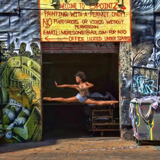 Профессиональные-танцоры-на-фоне-Нью-Йорка-24-600x600