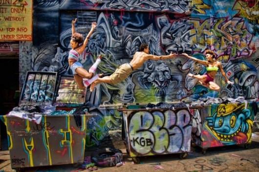 Профессиональные-танцоры-на-фоне-Нью-Йорка-26-600x399