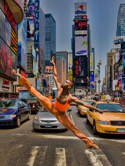 Профессиональные-танцоры-на-фоне-Нью-Йорка-35