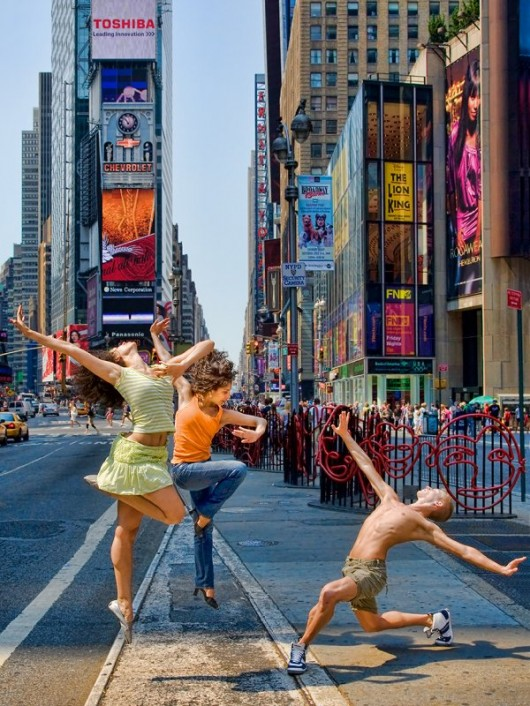 Профессиональные-танцоры-на-фоне-Нью-Йорка-40