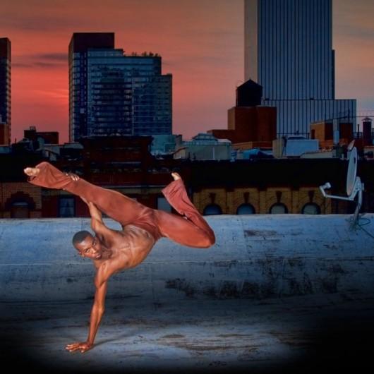 Профессиональные-танцоры-на-фоне-Нью-Йорка-41-600x600