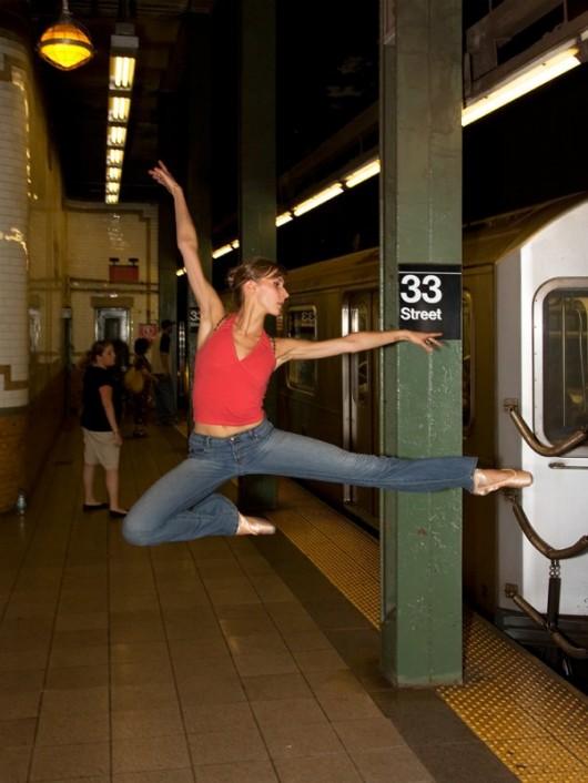 Профессиональные-танцоры-на-фоне-Нью-Йорка-42