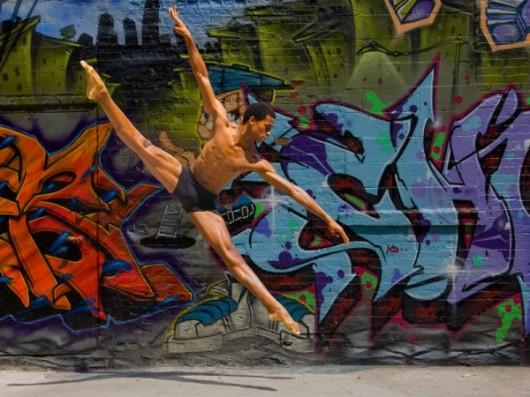 Профессиональные-танцоры-на-фоне-Нью-Йорка-51-600x450