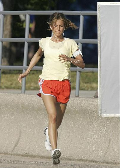 Jeniffer Aniston Jogging