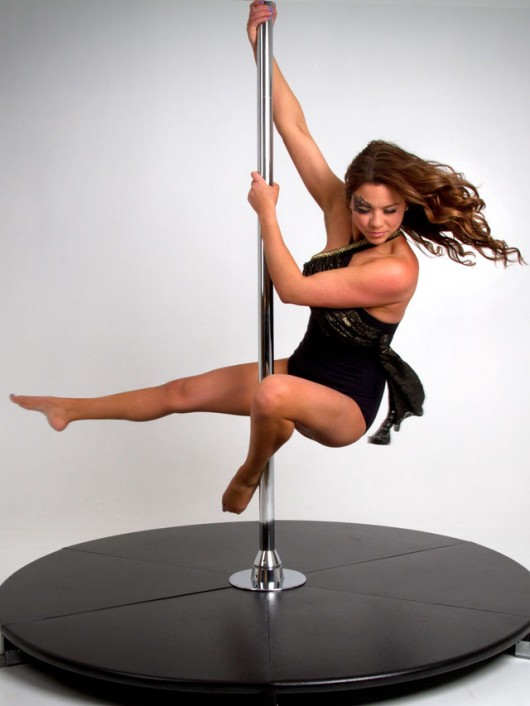 Hollywood Spin Pole Move