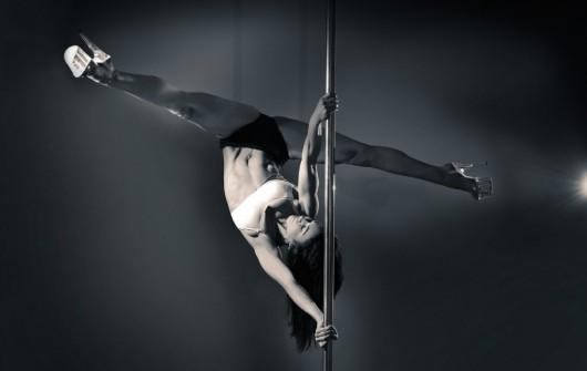 Pole Dancing Acrobatics