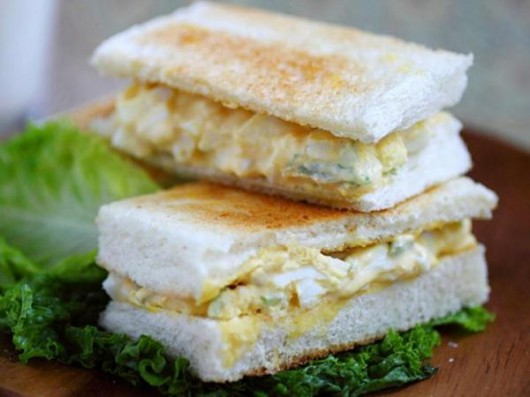 Spicy Egg Salad Sandwich