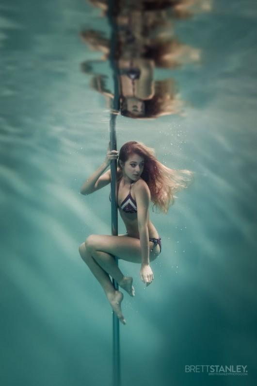 Underwater Pole Dancer_3