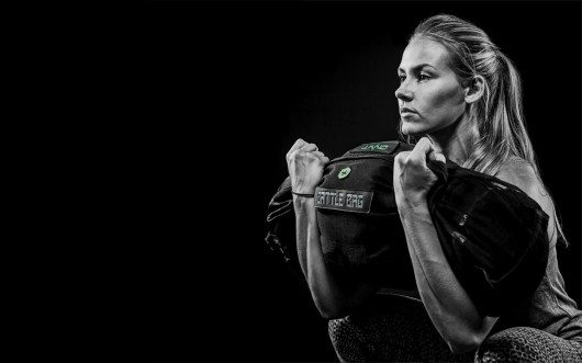 30-Minute Full-Body Sandbag Workout for Ultimate Strength and Fat Burn