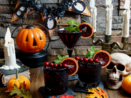 6 Creepy Cocktail Ideas For a Spooky Halloween