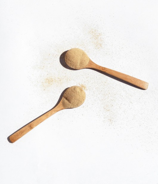 Kaer Naturals herbal supplement on white